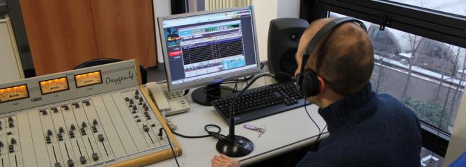 12_Web_radio.png